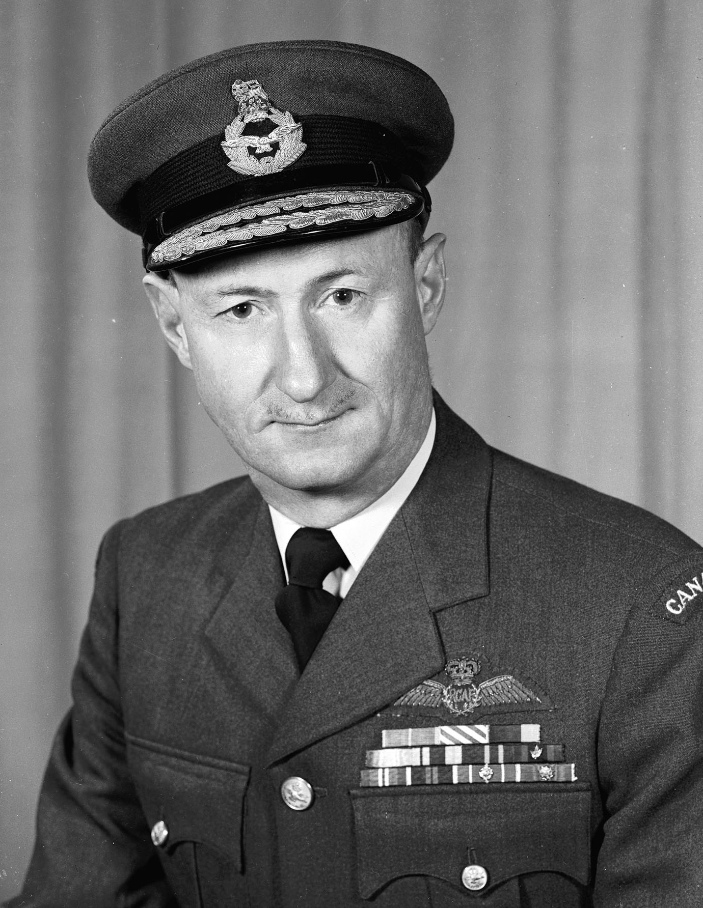Le commodore de l'air Len Birchall, photographié le 30 mai 1961. PHOTO : Archives du MDN, PL-133463