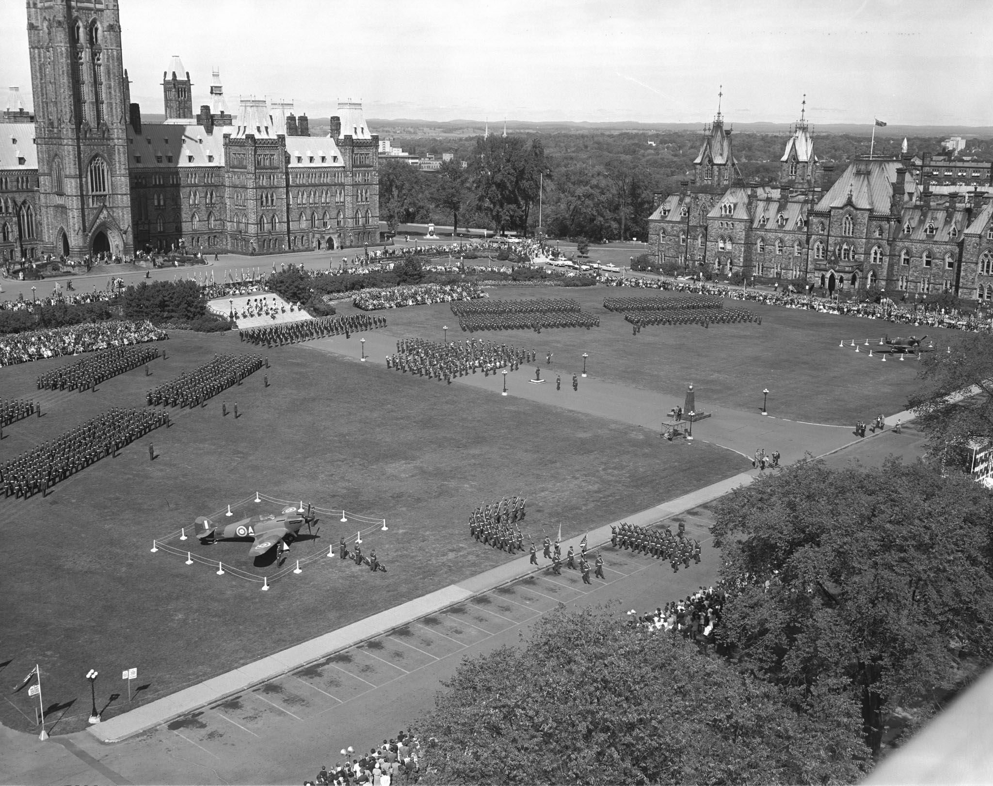 An aerial view of the 1960 Battle of Britain parade on Parliament Hill in Ottawa. PHOTO: PL-129394, DND Archives